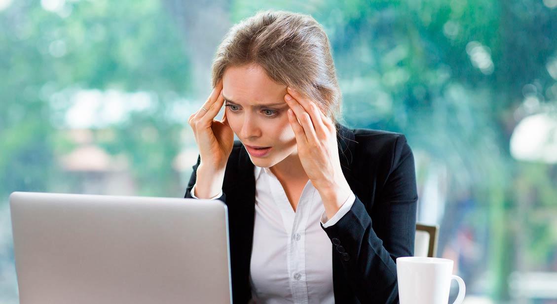 Kopfschmerzen und Augenschmerzen: Das sind mögliche Gründe