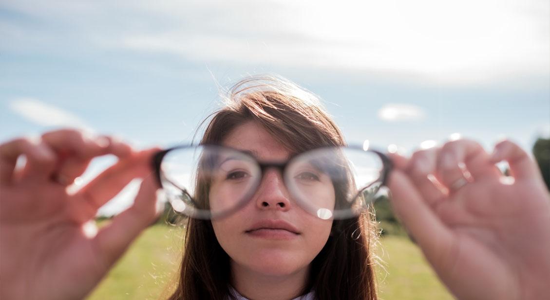 Wie sehen Brillen gegen die Weitsichtigkeit aus?